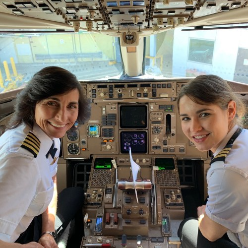 A Mother and Daughter first – Co-Piloting a Boeing Flight