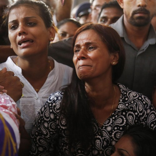 Mass funerals in Sri Lanka as death toll surpasses 300 persons
