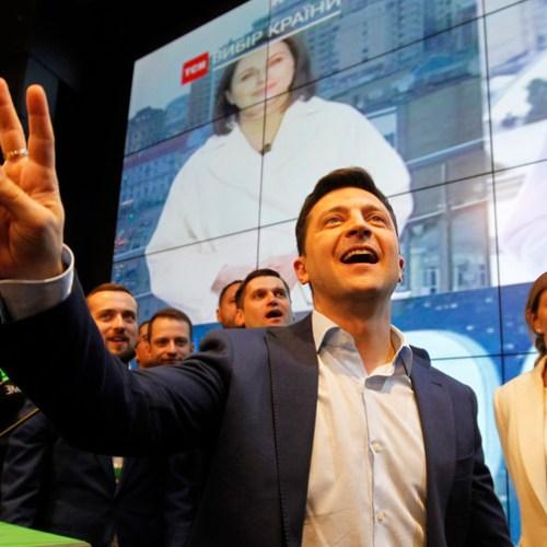 Comedian Zelensky wins the Ukrainian presidency