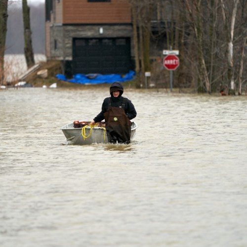 Thousands evacuated in Montreal as floods worsen