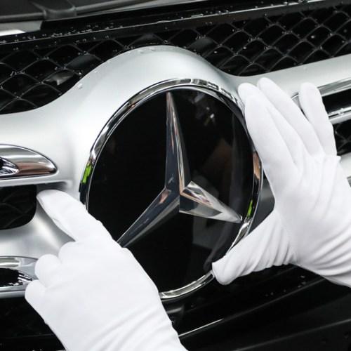 Daimler in the spotlight again for cheating