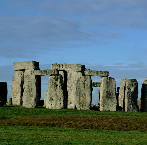 DNA study reveals Britons who built Stonehenge were product of ancient wave of migrant farmers