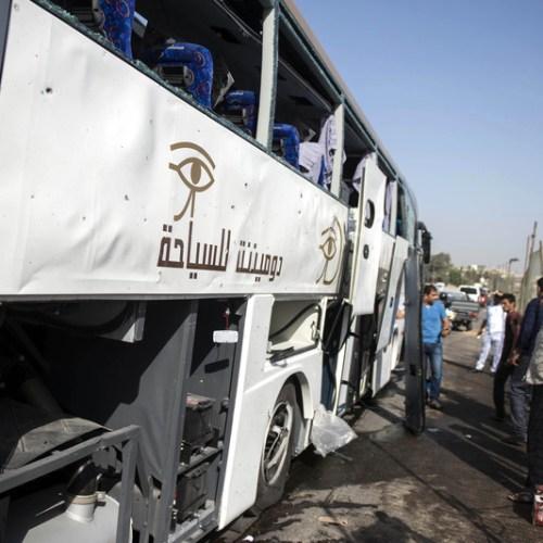 Tourist bus hit by blast in Egypt near Pyramids