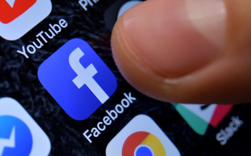 Facebook threatens to block sharing of news if Australia moves ahead with controversial law