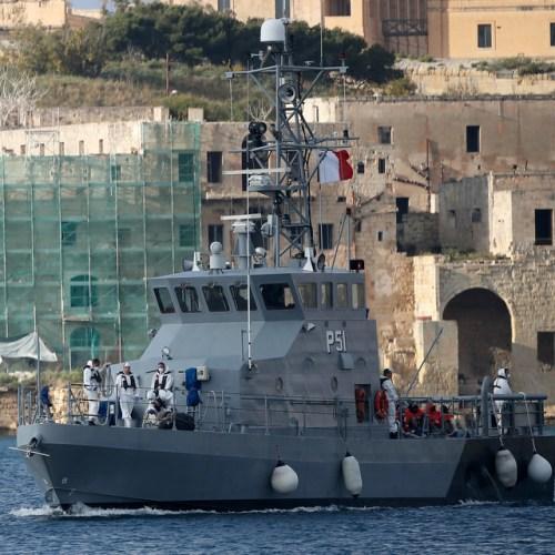 AFM patrol boat saves 85 migrants