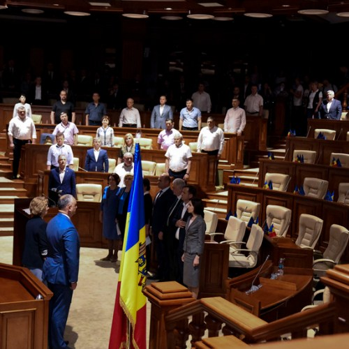 Moldova's new government formation challenged