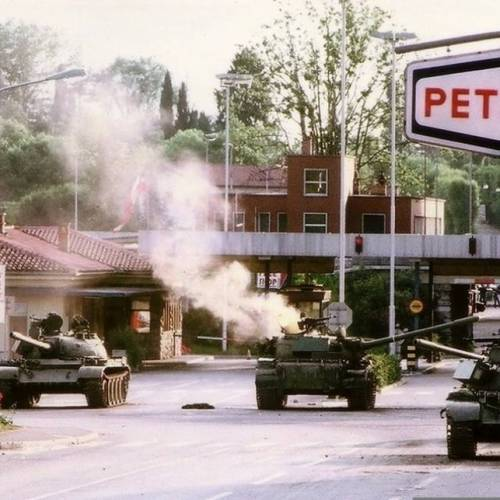 On this day, in 1991 Yugoslav troops invaded Slovenia