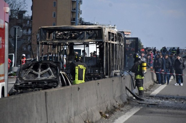 Man hijacks bus, starts fire on board