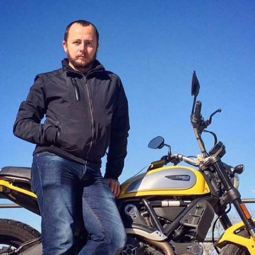 Malta – 41 year old motor cyclist dies after crashing into a parked truck in Valley Road, Msida – UPDATED