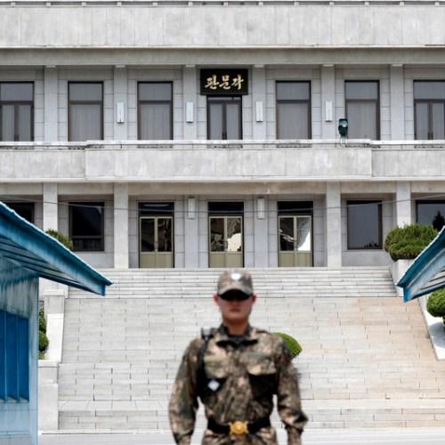 North, South Korea in talks over summit