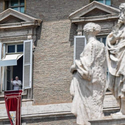 Pope Francis expresses his hope for humanitarian corridors for migrants