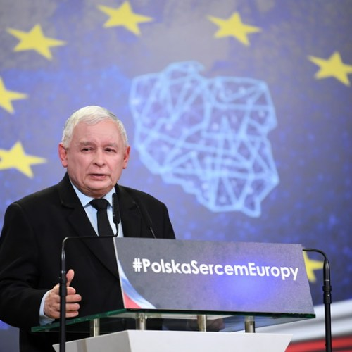 Poland's Law and Justice boosted by opposition's failure to unite