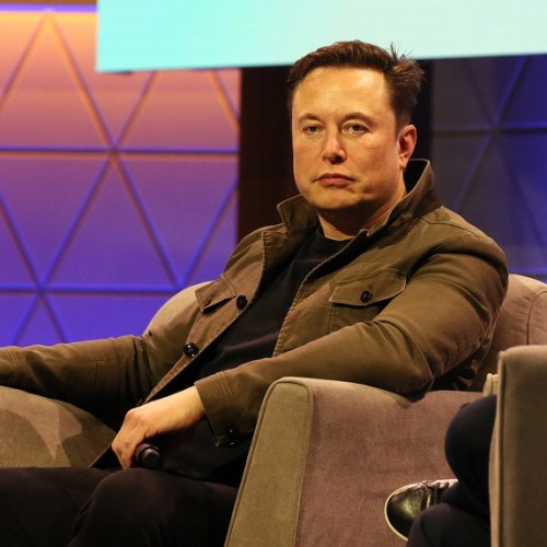 Elon Musk says SpaceX could beat NASA and land on moon 'within two years'