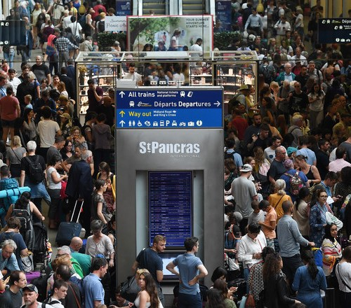 Power cut in French capital effects Eurostar service, passengers advised not to travel