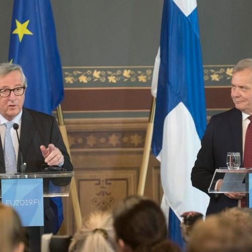 Juncker complains about von der Leyen nomination