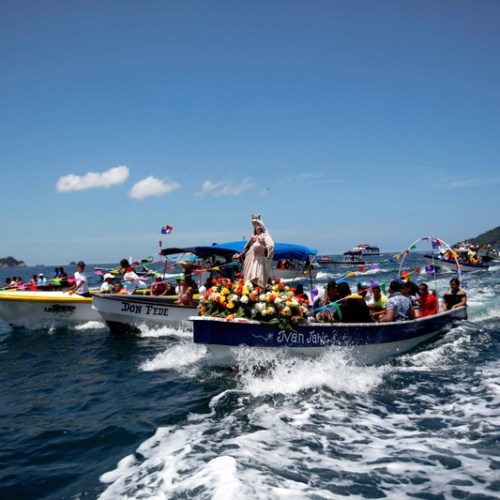 Photo Story: The aquatic pilgrimage of the Virgin of Carmen in Panama