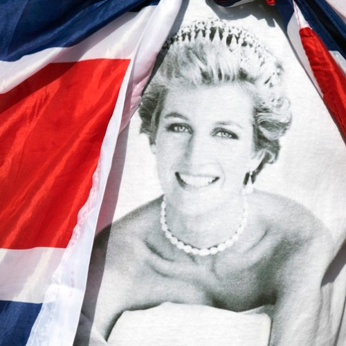 Prince William and Prince Harry to attend  unveiling of Princess Diana statue