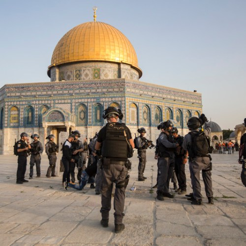 Clashes break out on Temple Mount in Jerusalem