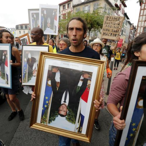 Stolen Macron portraits to reappear at G7 protests