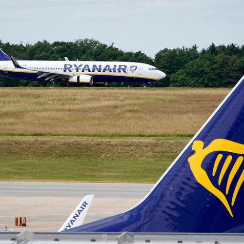 Ryanair cuts annual passenger target, to close some bases and cut capacity at others