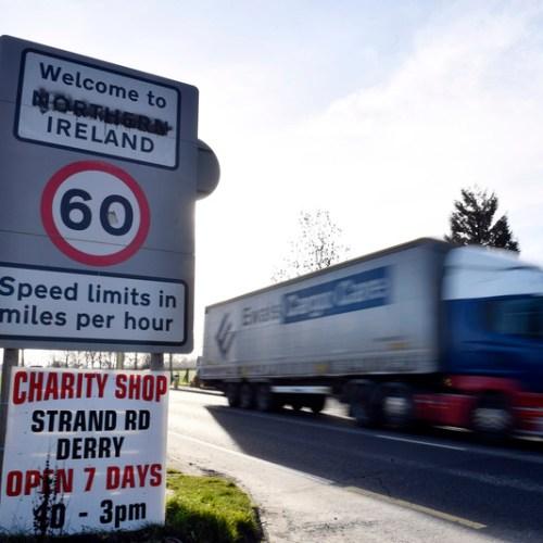 Hard border on island of Ireland will return under no-deal Brexit, warns Juncker