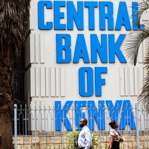 Kenyans rush to swap banknotes as cash ban looms