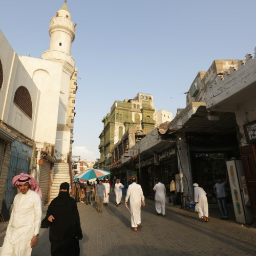 Saudi Arabia to open up to foreign tourists