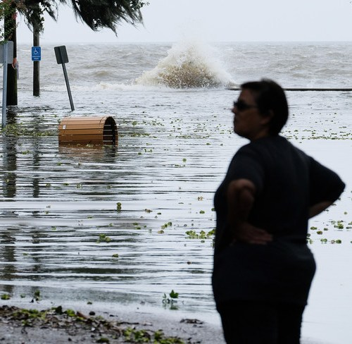 Rising sea levels pose threat to homes of 300m people