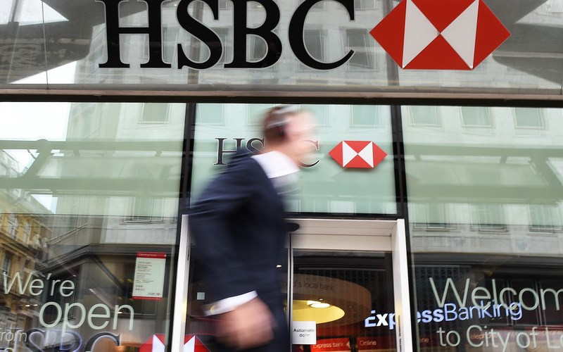 EXCLUSIVE-HSBC moves more than 1,200 UK staff to permanent home working
