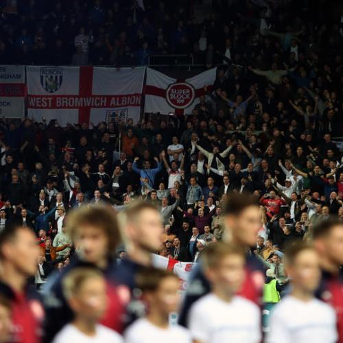 England football fans in violent clashes with police in Prague