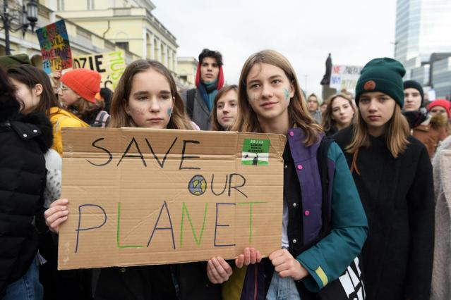 Climate, not COVID, the biggest worry among young Europeans – poll