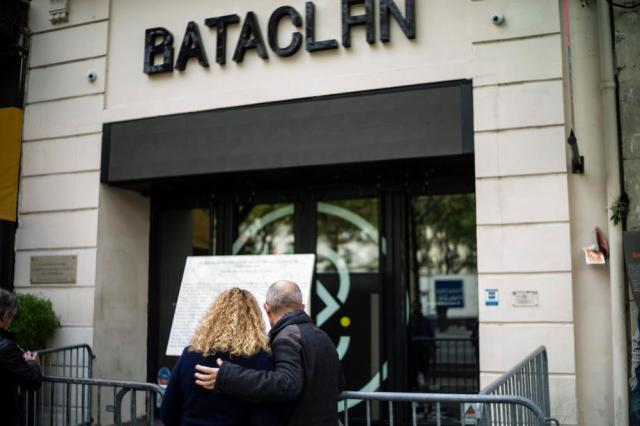Paris attacks anniversary ceremony