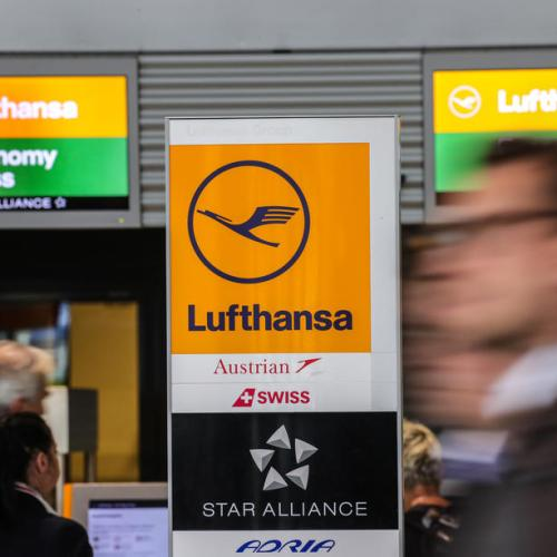 1,300 Lufthansa flights cancelled as courts approve strike