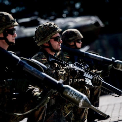 UK, US could take part in EU military projects under draft plan