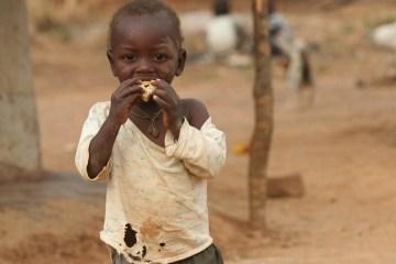 UN warns Zimbabwe 'on brink of man-made starvation'