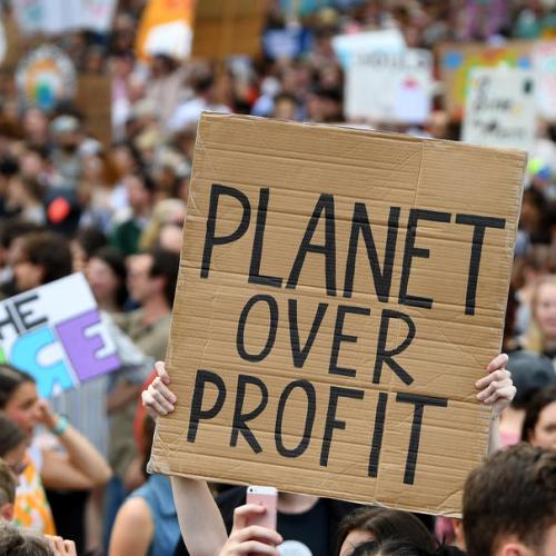 Major European investors urge EU to enshrine climate goal in law