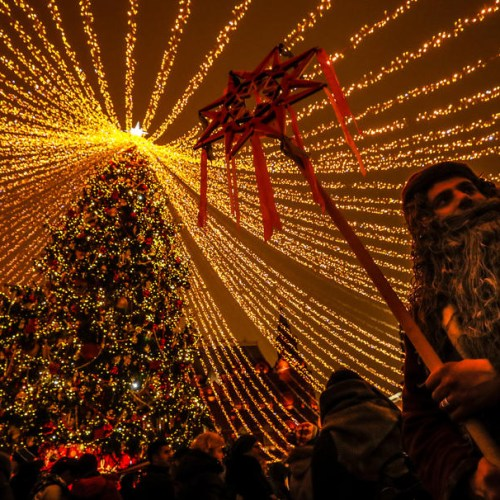 Photo Story: Christmas decorations in Moscow