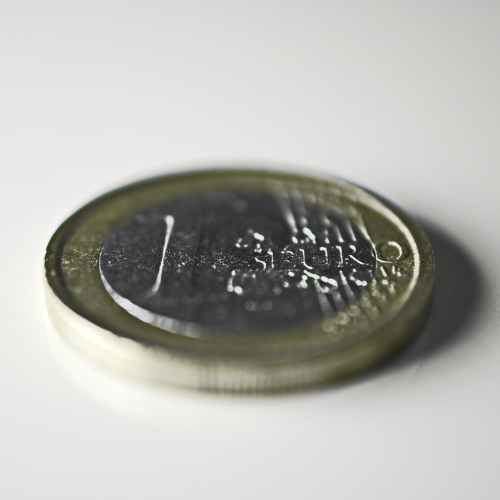Europeans show record support for the euro, majority want to remove 1 and 2 cent coin