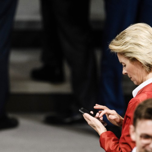 German politician files criminal complaint against EC President von der Leyen after data from her mobile phone was wiped out