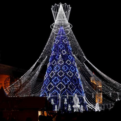 Photo Story: Christmas tree lighting ceremony in Vilnius