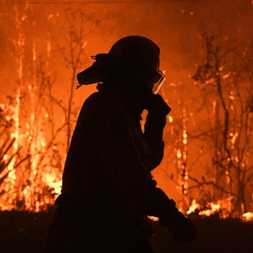 Bushfires continue to burn in New South Wales