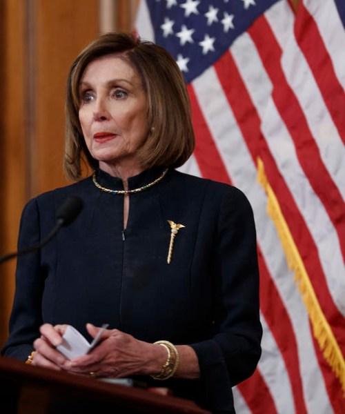 U.S. House Speaker Pelosi cautions Britain over N.Irish peace deal