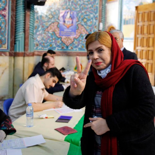 Iran's hard-liners take early lead in Tehran after vote