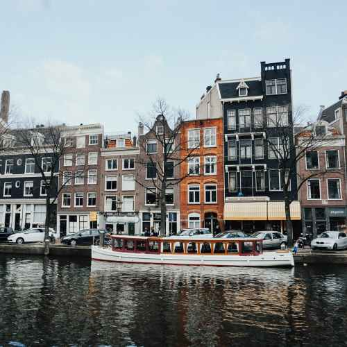 Amsterdam seeking to bar tourists from buying cannabis