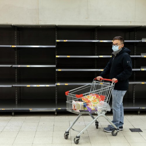 China cuts tariffs on $75bn of US goods amid coronavirus pressure