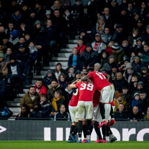 Manchester United qualify for FA Cup quarter-finals