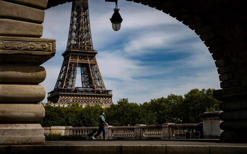 French economy grows 0.4% in Q1, beats expectations