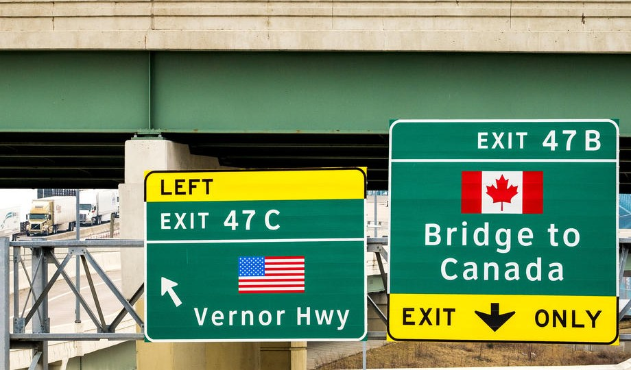 Canadian border staff to begin work-to-rule strike action starting Friday