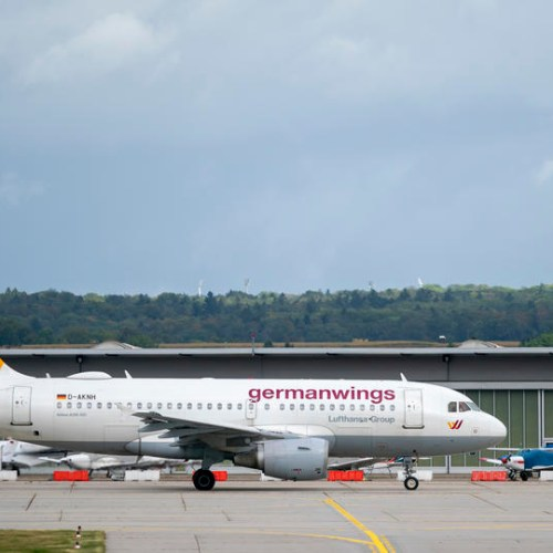 Lufthansa grounds Germanwings and cuts fleet size