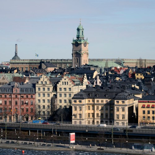 Swedish Central Bank warns financial system stable, but risks if pandemic drags on